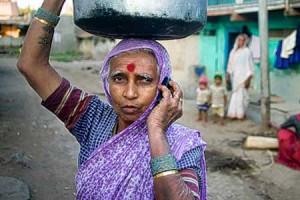 India-Women-Mobiledia-Kendra-Srivastava