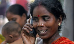 Indian woman in Kolkata with mobile phone